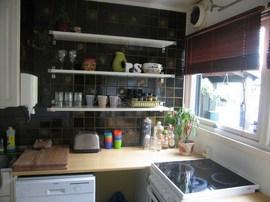 キッチンの作り付けの棚3_[0].jpg